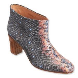 MAISON MARGIELA Galaxy Snakeskin Tabi Ankle Boot